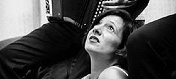 Compagnie blanche : Chloé Dumond