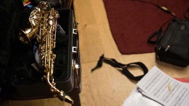 Maxime Perrin accordeoniste en studio saxophone Jonathan Mauch